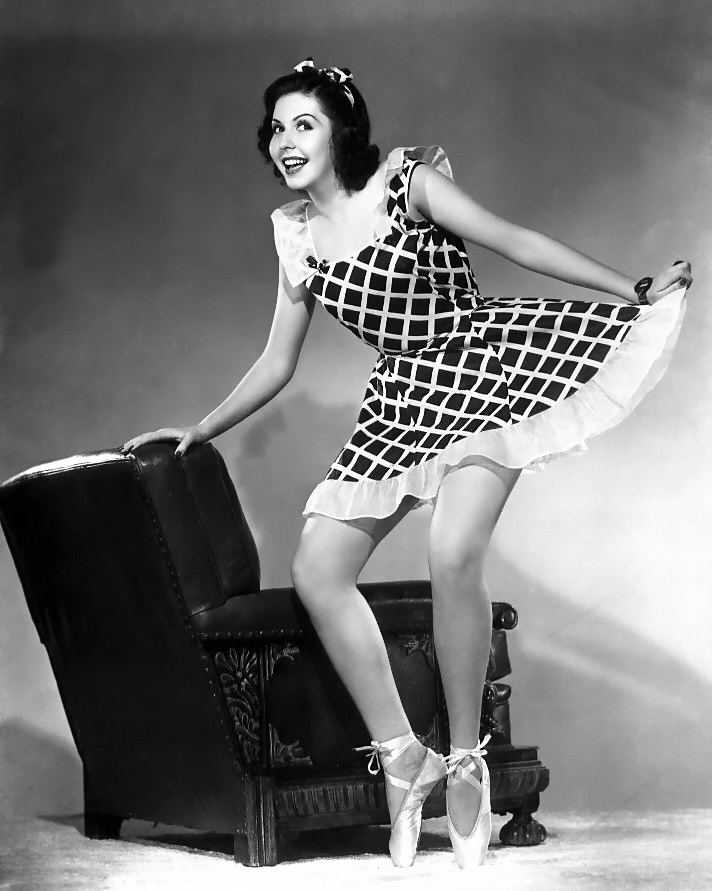 Ann Miller Nude Naked Picture Pic Shoot Fans