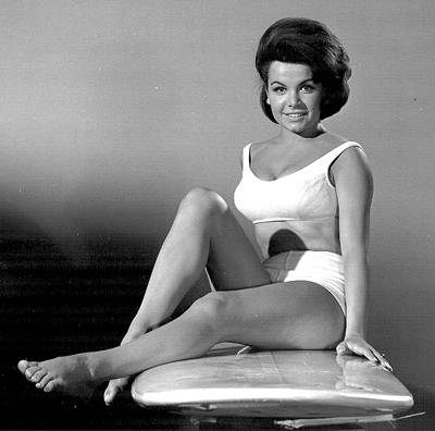http://pictures.platinum-celebs.com/annette-funicello-nude-photo.jpg