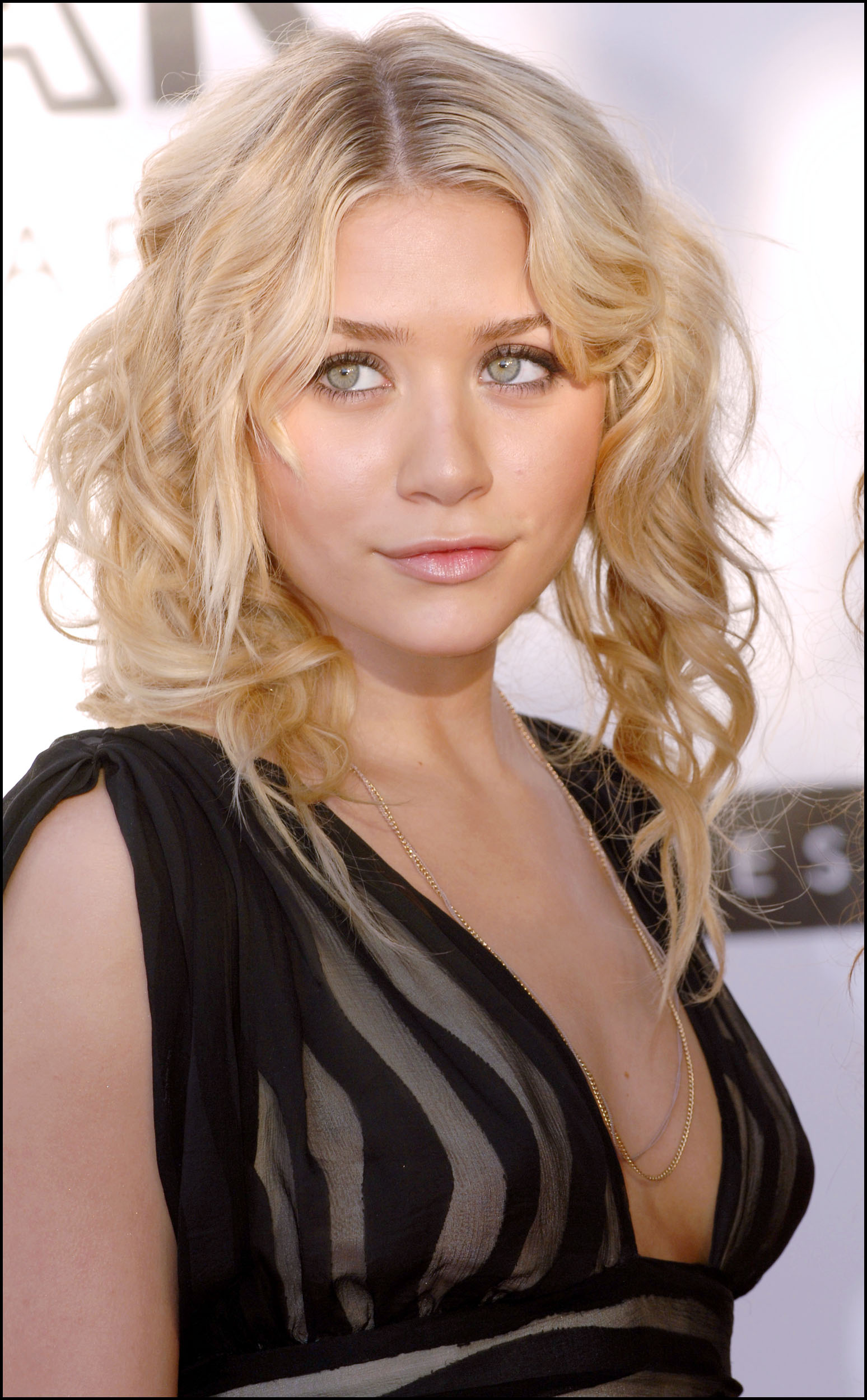 nude pictures of ashley olsen