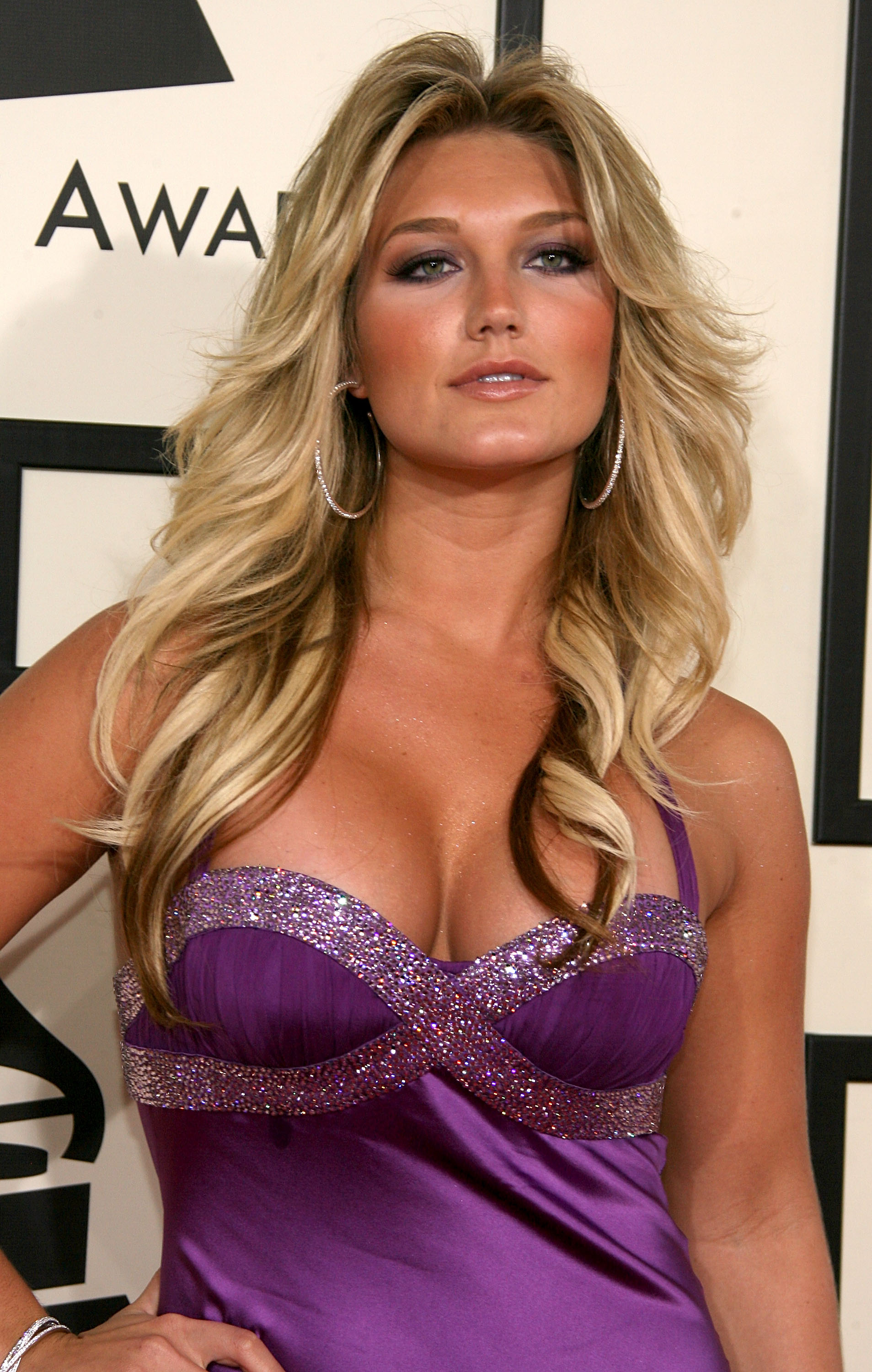 http://pictures.platinum-celebs.com/brooke-hogan-nude-photo.jpg
