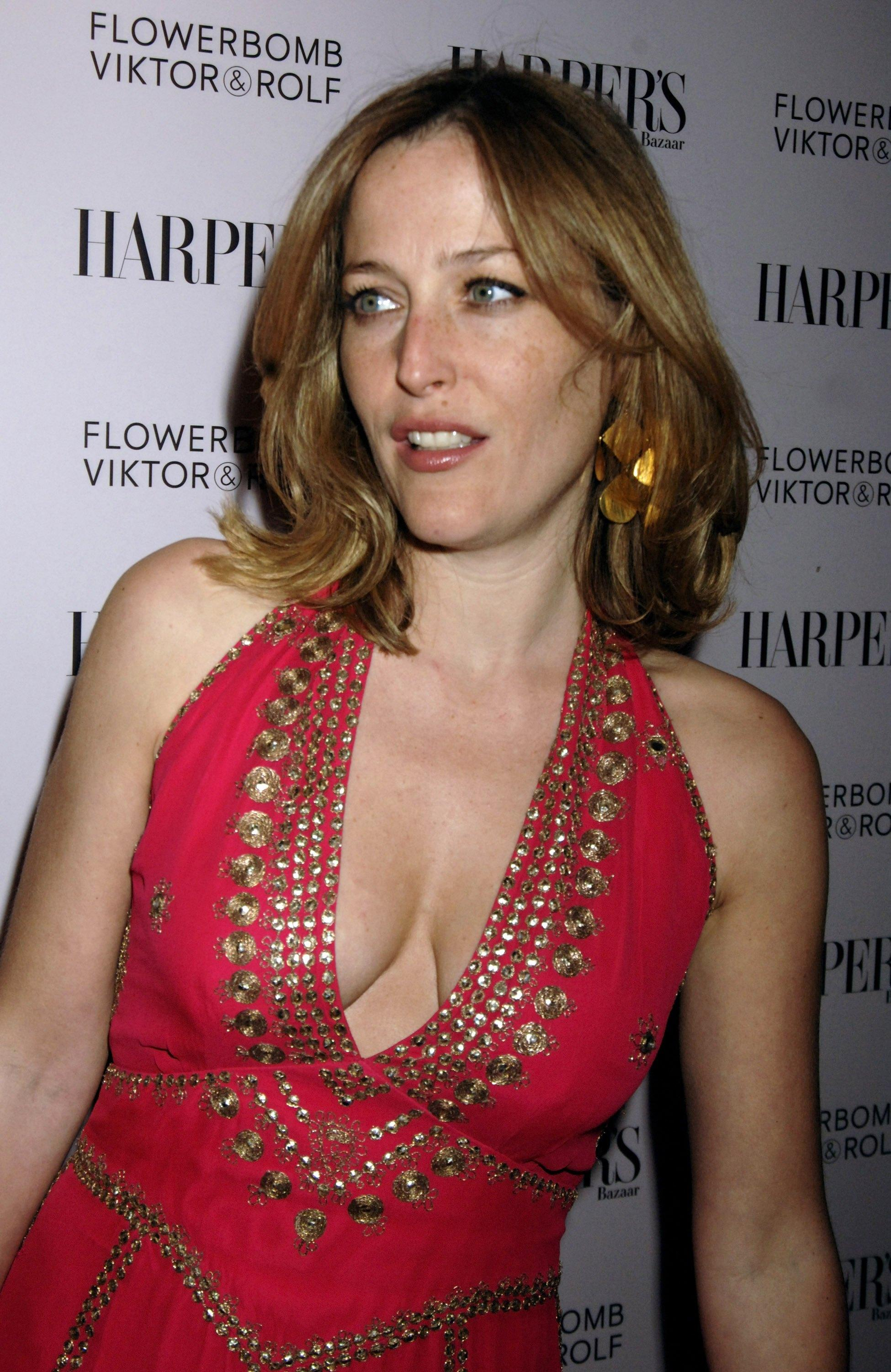 cherrish pimpandhost Gillian Anderson [Archive] - Page 2 - FreeOnes Board - The Free Sex  Community