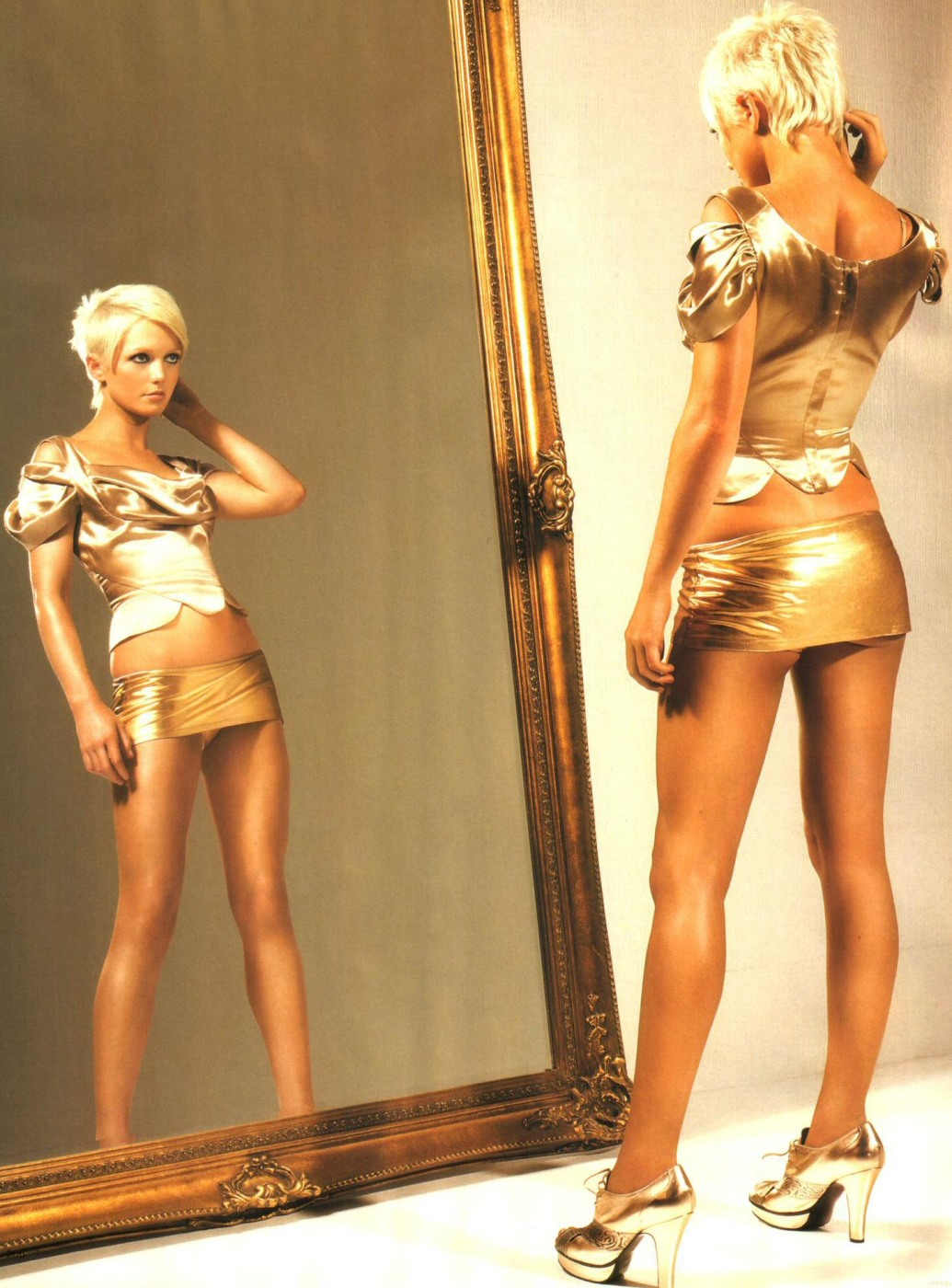 http://pictures.platinum-celebs.com/hannah-spearritt-nude-photo.jpg
