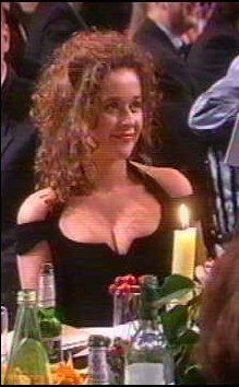 http://pictures.platinum-celebs.com/julia-sawalha-nude-photo.jpg