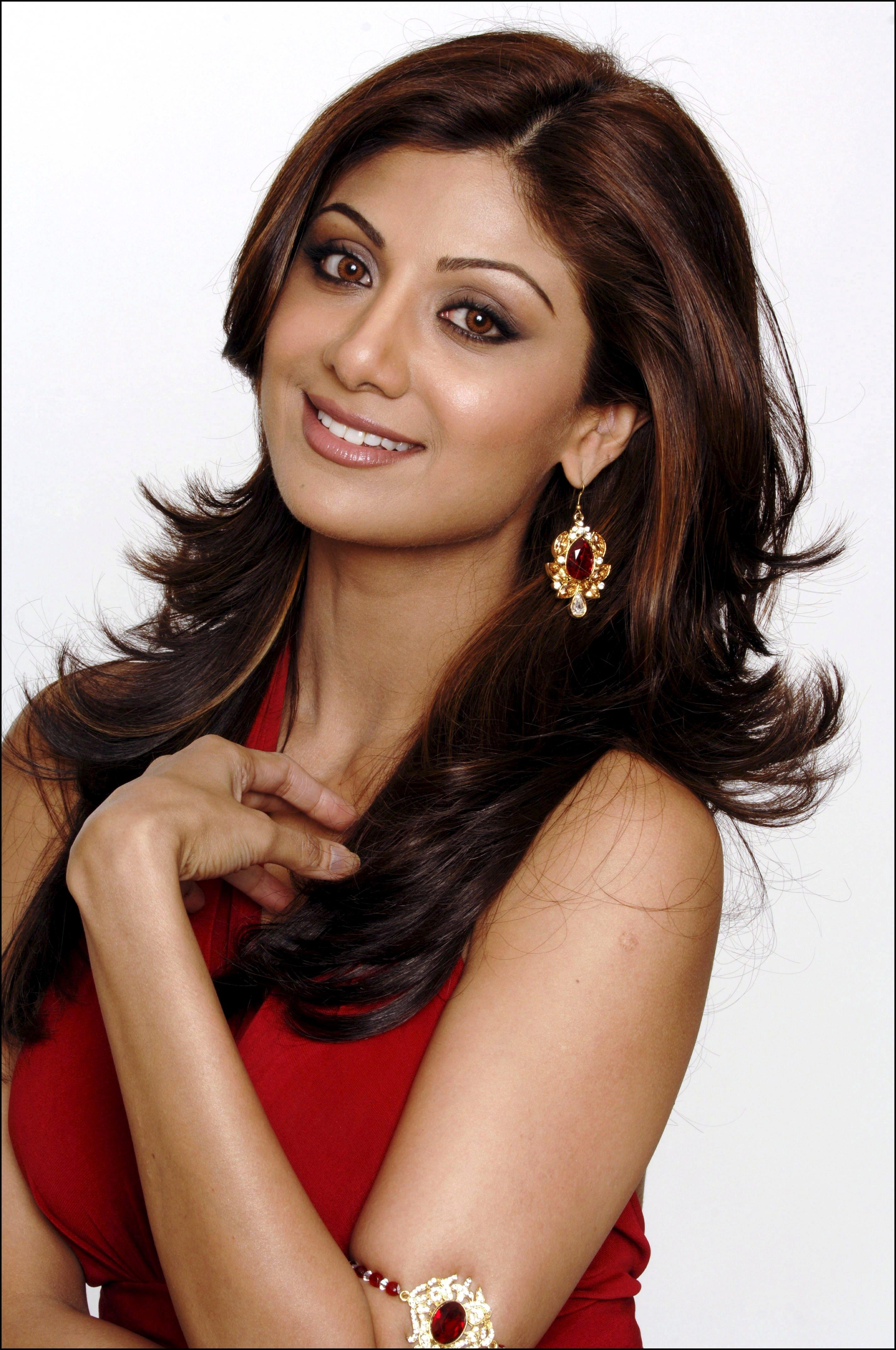 http://pictures.platinum-celebs.com/shilpa-shetty-nude-photo.jpg